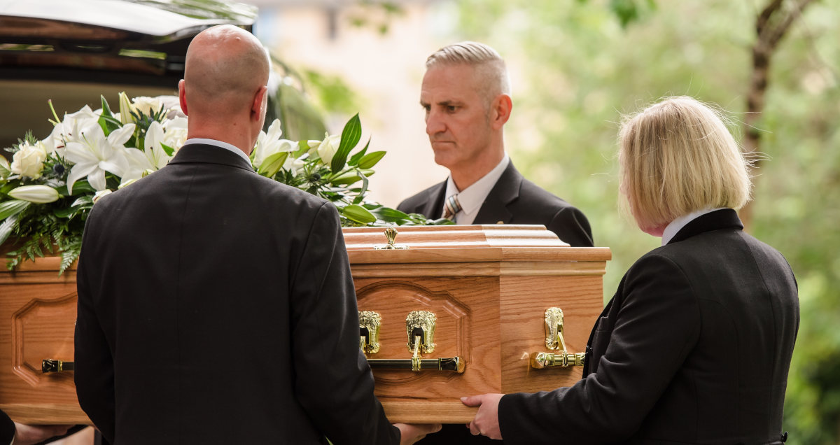 Traditional funeral with personalised services